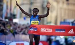 强!肯尼亚23岁女将创历史 一赛事连破四项纪录